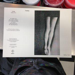 twins_printed_legs